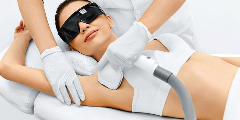 chica realizandose depilacion permanente con laser diodo